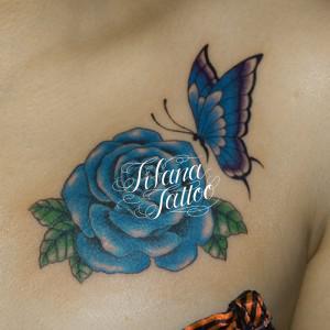 青い蝶|薔薇のガールズタトゥー
