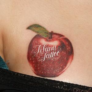 リンゴのタトゥー