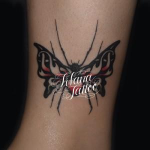 蛾|蜘蛛のタトゥー
