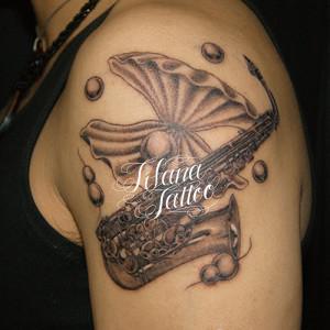 サックスのタトゥー
