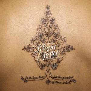 オリーブの木と薔薇のタトゥー