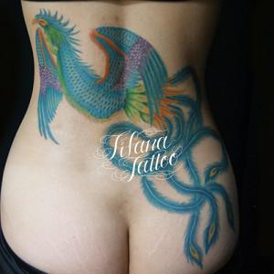 青い鳳凰の刺青