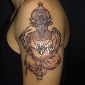 牛の神様のタトゥー