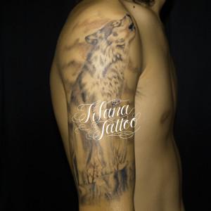 オオカミのタトゥー