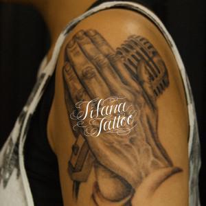 合掌|マイクのタトゥー