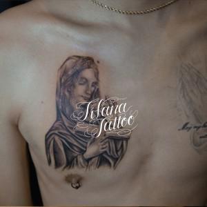 マリア様|クロスのタトゥー