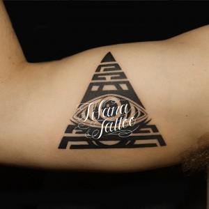 三角形|目のタトゥー