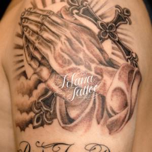 合掌|クロスのタトゥー