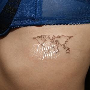 世界地図のタトゥー