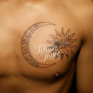 月|太陽|波|ローマ数字のタトゥー