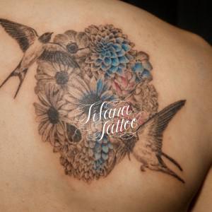 ツバメとスカルのタトゥー