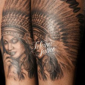 女性インディアンのタトゥー