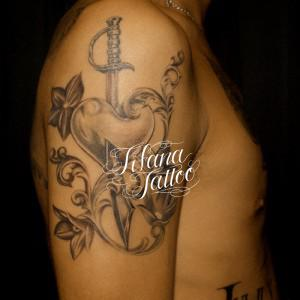 ハート|剣|花のタトゥー