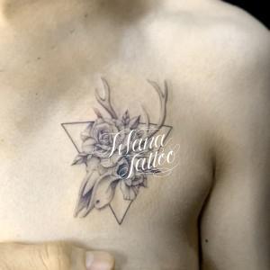 鹿の骨|薔薇|三角形のタトゥー