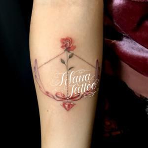 弓|薔薇|リボン|ダイヤ|羽のガールズタトゥー