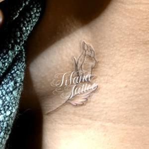 薔薇のラインアート・タトゥー