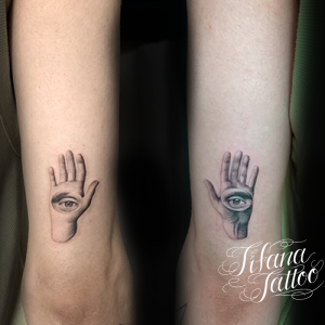 手|目のタトゥー