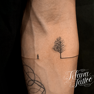 森羅万象のファインライン タトゥー