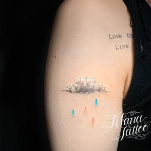 雲|雨のファインライン タトゥー