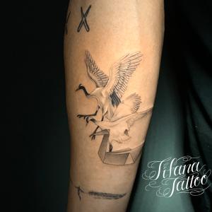鶴の三変化タトゥー