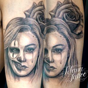 クラウン|女性|薔薇のタトゥー
