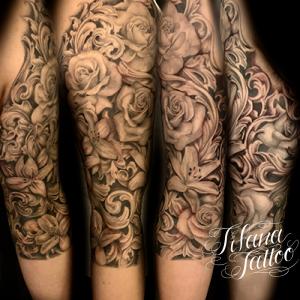 薔薇と百合のファインライン ・タトゥー