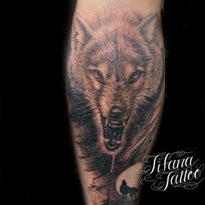 狼のファインライン・タトゥー