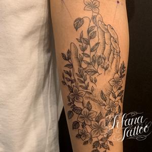 植物|アイビーと手のタトゥー