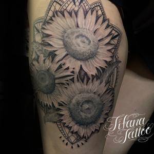 向日葵|ヒマワリと曼荼羅のタトゥー
