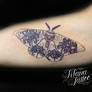 蛾|彼岸花のタトゥー