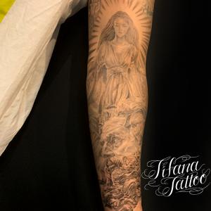 女神とゼウスのタトゥー