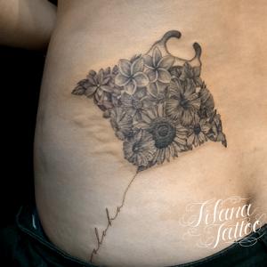鱏|花|文字のタトゥー