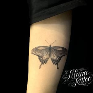 蝶のタトゥー