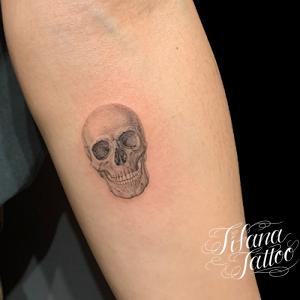 スカル|ドクロのファインライン ・タトゥー