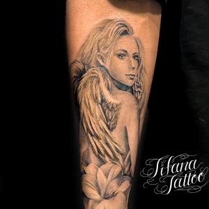 女神のチカーノ・タトゥー