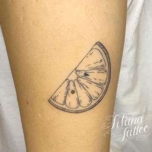 果物の断面のタトゥー